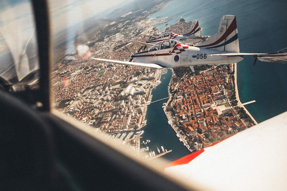 [360°VIDEO] Amazing Aerobatic Display by Croatian Air Force Team Wings of Storm