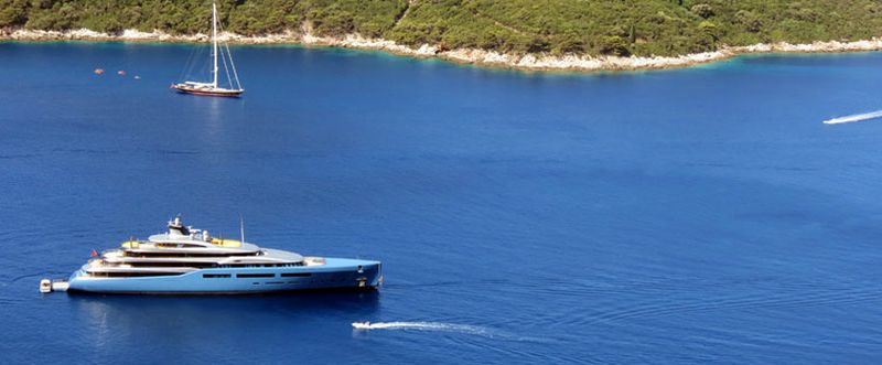 [PHOTOS] Tottenham Hotspur Owners' Superyacht Anchors in Dubrovnik
