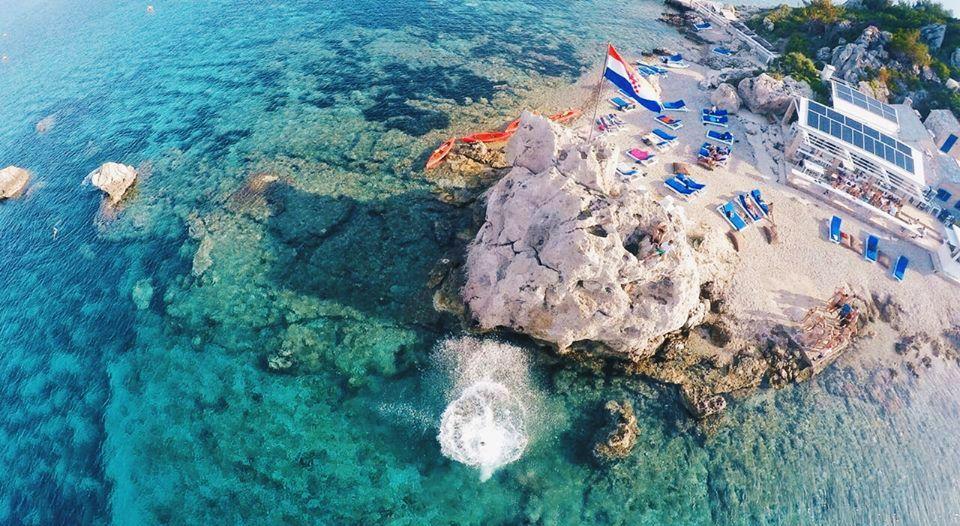 Moro Beach Stupe – New Beach Bar on Small Island Near Korčula