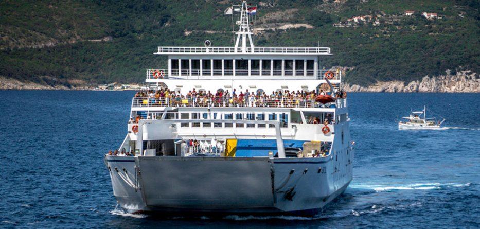 Record Tourism Weekend as Peak Season Starts