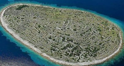 [VIDEO] Bird's-Eye View of Impressive Baljenac Island