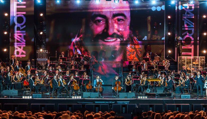 [VIDEO] 2CELLOS Play at Pavarotti 10th Anniversary Concert