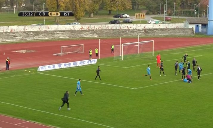 [VIDEO] Quick-Thinking Croatian Referee Saves Player's Life