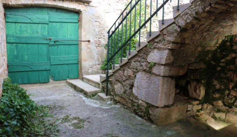 Konoba Blues: New Song Presenting a Dalmatian & Croatian Treasure