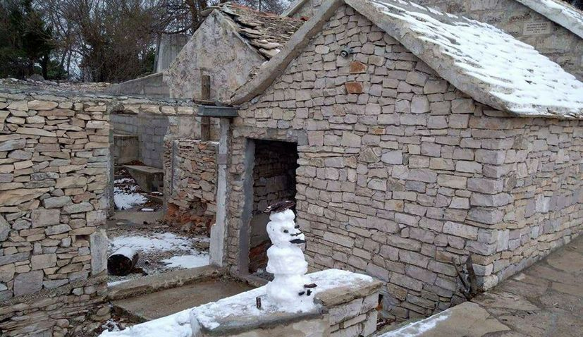First Snow Arrives on Dalmatian Island of Brač