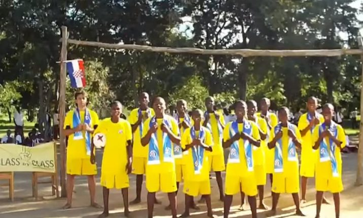 VIDEO: Watch Tanzania Locals Sing Famous Dinamo Zagreb Song