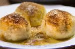 WATCH: Croatian recipes: Knedle sa šljivama / Plum dumplings