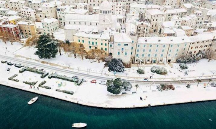 PHOTOS: Croatian Islands & Coast Under Snow