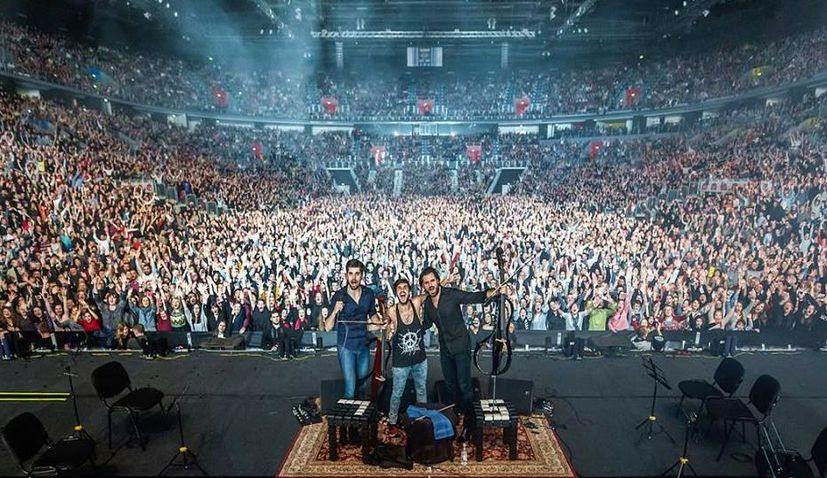 VIDEO: 2CELLOS Don't Disappoint Fans in Zagreb