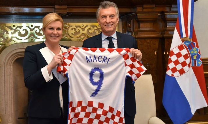 PHOTOS: Argentina President Gifted Croatian Shirt