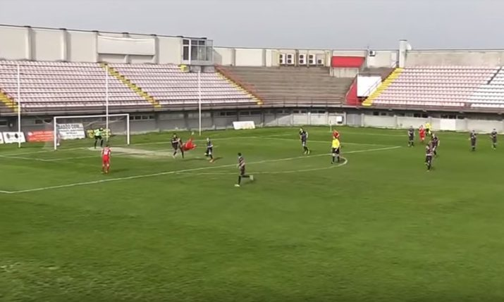 VIDEO: Croatian Striker Outdoes Ronaldo with Amazing Bicycle Goal
