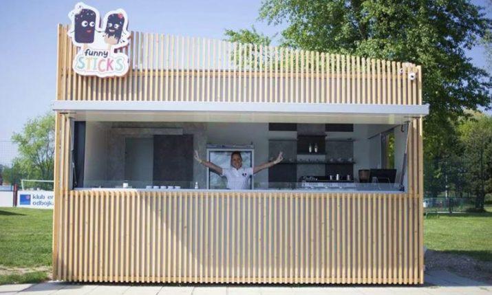 New Personalised Ice Cream Kiosk Opens on Zagreb's Lake Jarun