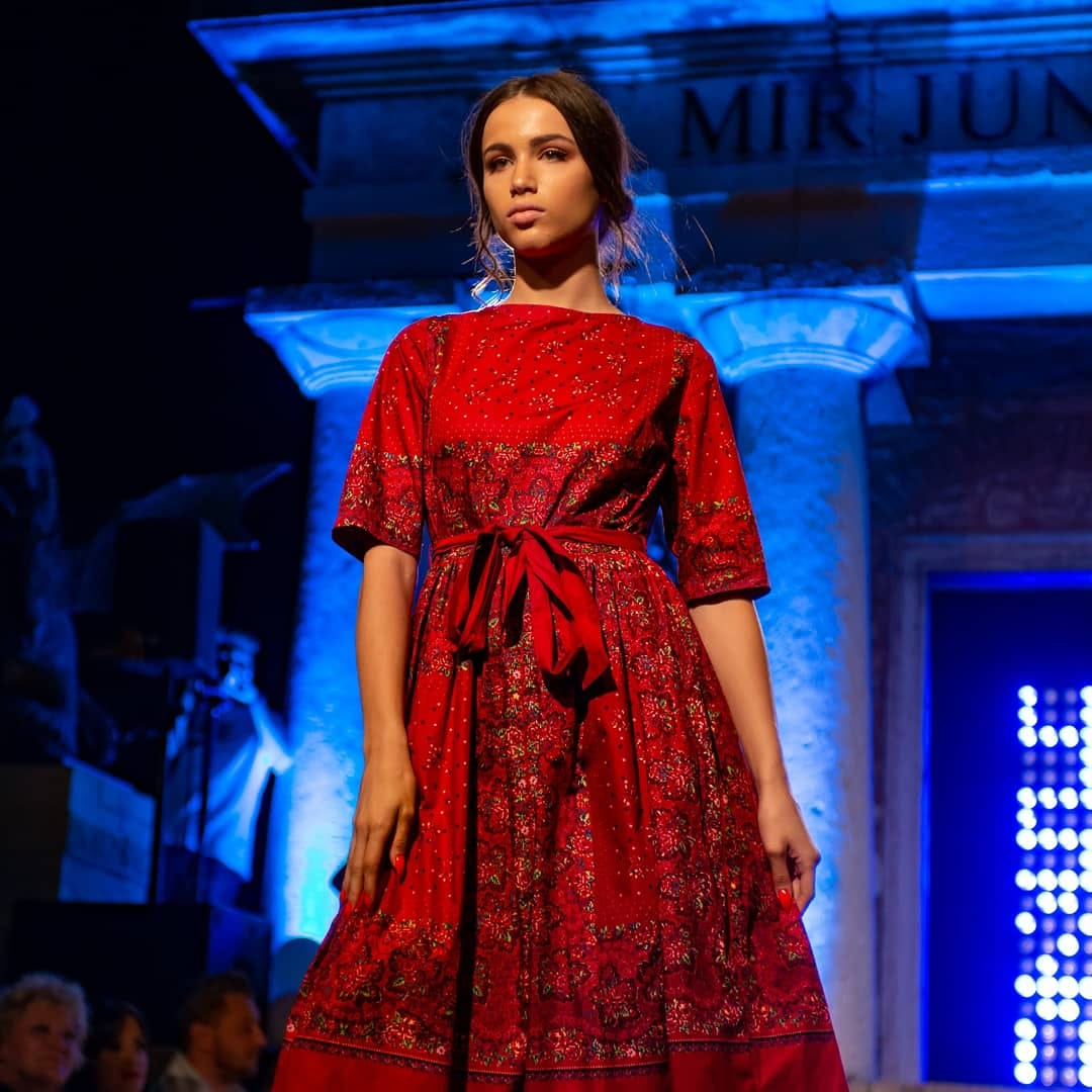 First Dress in Croatia Inspired by Traditional Šestine Scarf
