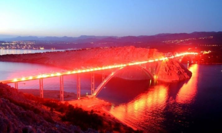 Krk Bridge Spectacularly Lit Up to Mark Victory Day