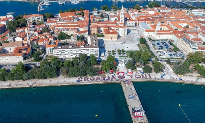 PHOTOS: 3,000 Turn Out in Zadar for Millennium Jump