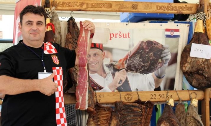 PHOTOS: Big Crowds Turn Out for International Pršut Festival in Drinš