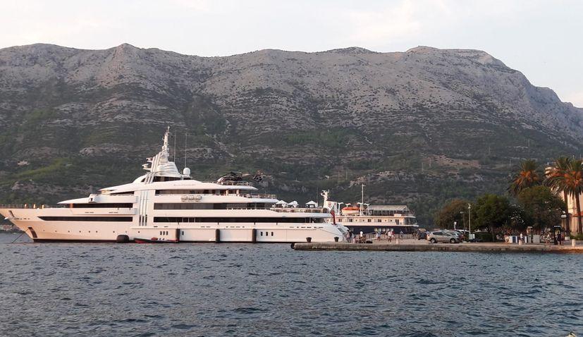 $100m Superyacht Owned by 'Screw King' Docks in Korčula