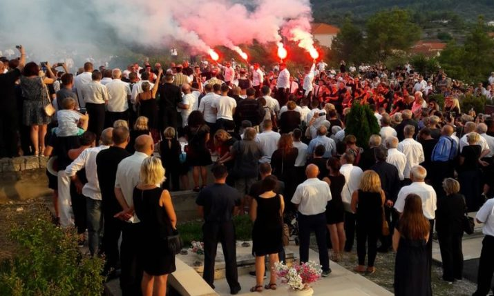 VIDEO: Oliver Dragojevic Laid to Rest in Vela Luka