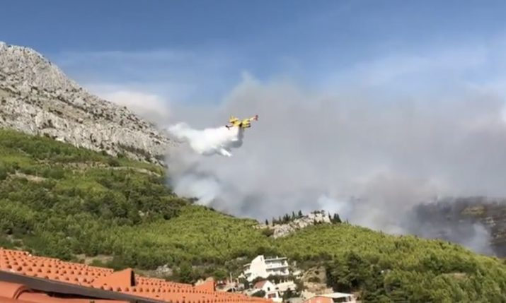 VIDEO: Wildfire Breaks Out Near Omiš on Dalmatian Coast