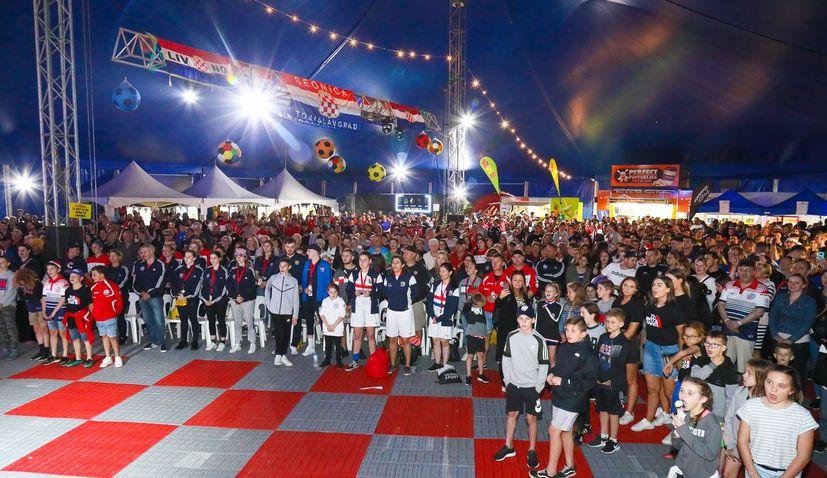 VIDEO: Big Croatian party on Australia's Gold Coast as 44th CSAA Soccer Tournament kicks off