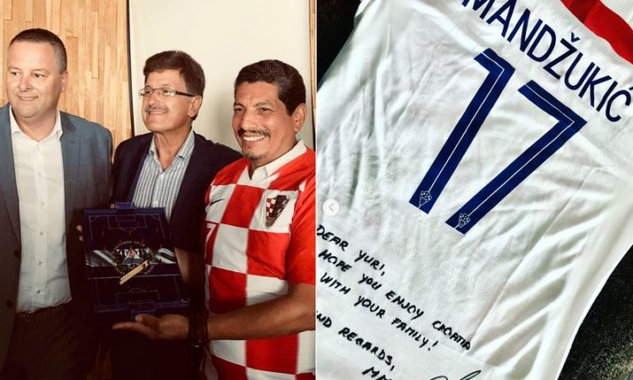 World Cup Photographer Yuri Cortez Presented with Gifts in Opatija