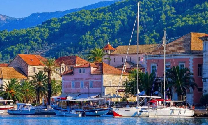 Stari Grad on the island of Hvar bans hostels