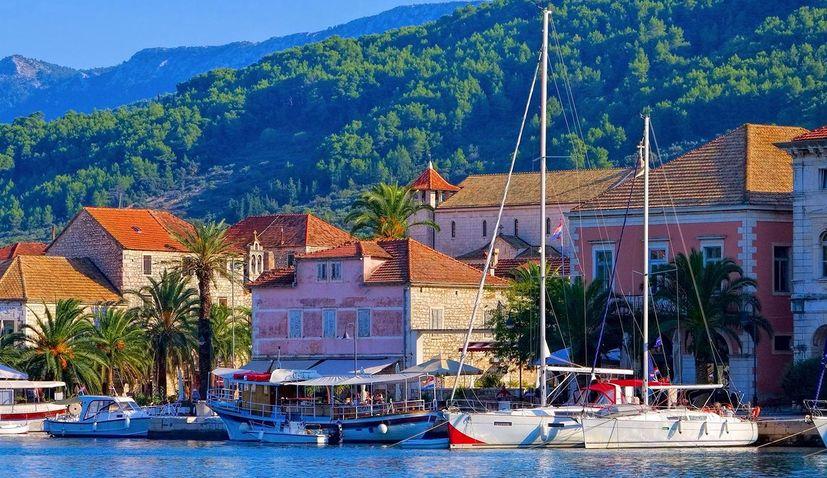 Stari Grad on the island of Hvar bans hostels