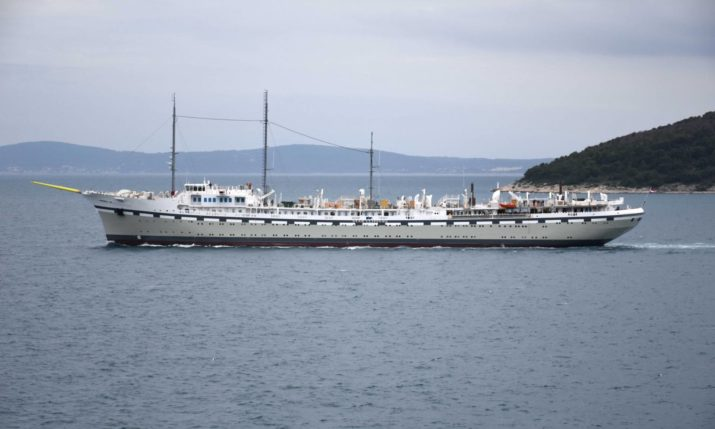 PHOTOS: World's largest sailing ship takes first sail from Split to Rijeka