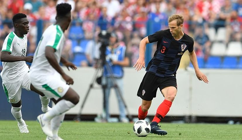 Croatia defender Ivan Strinić given doctors clearance to return to football