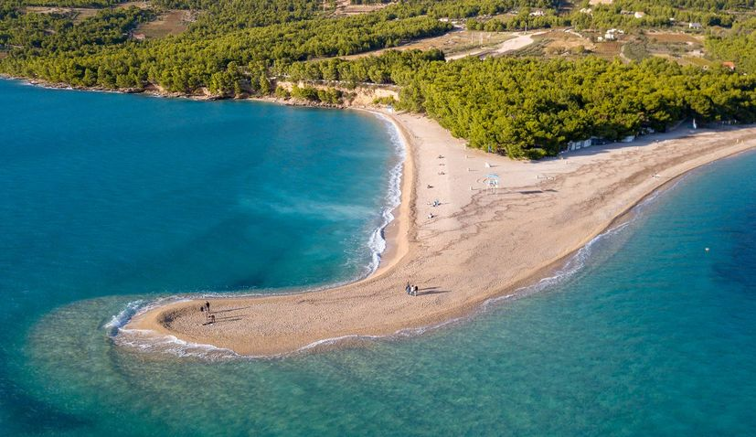 PHOTOS: Zlatni rat beach on Brač changes shape