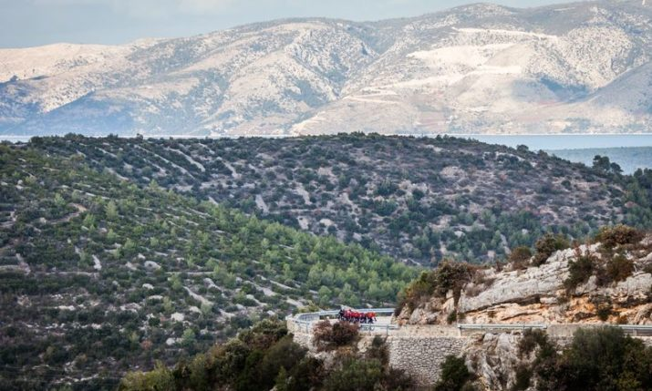Top pro cycling team starts training camp on island of Hvar
