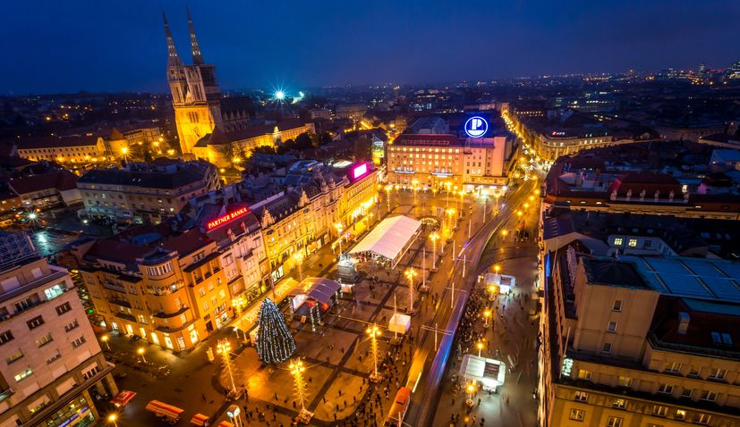Prljavo kazaliste & Novi fosili on Zagreb's main square for NYE celebrations