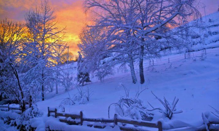 VIDEO: Snow falls across inland Dalmatia as winter kicks in