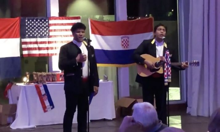 VIDEO: Klapa Samoana  entertain Croatian community in Phoenix, Arizona