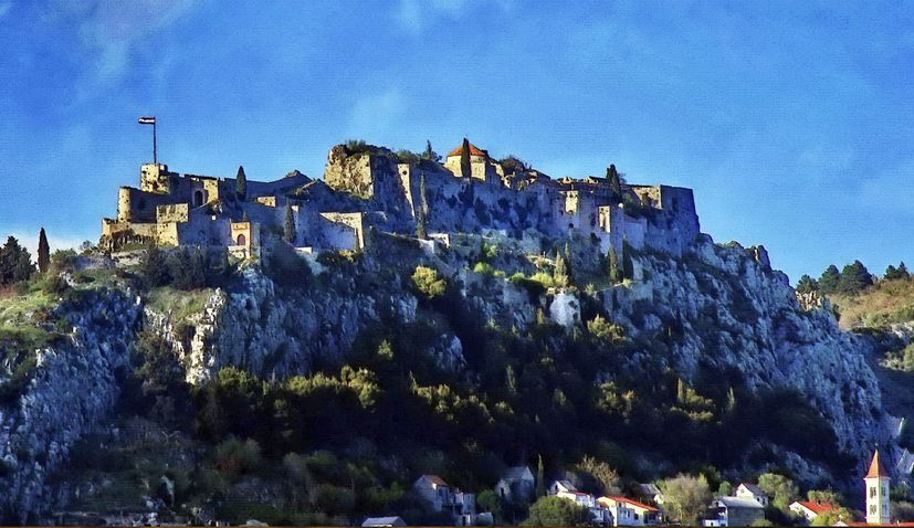 Historical Klis Fortress to be completely lit up at night