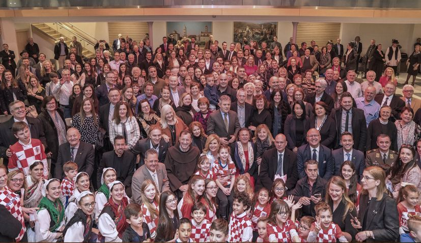 PHOTOS: President meets  New York's Croatian community
