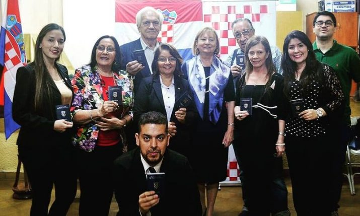 Paraguayan Croats receive Croatian passports as ambassador welcomed