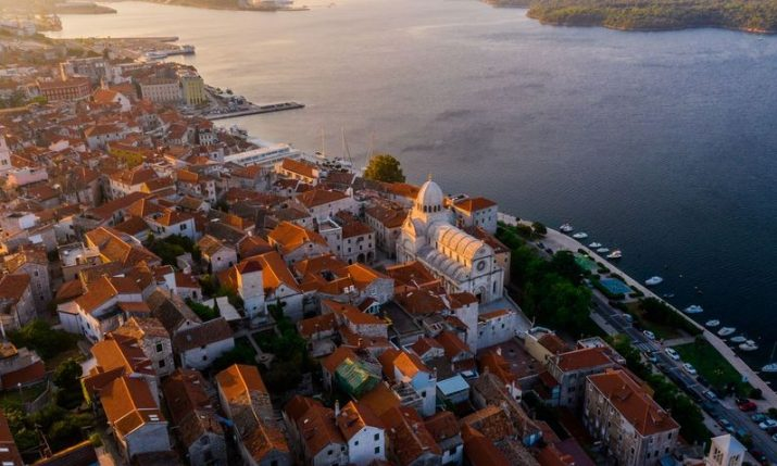 New daily shuttle bus from Šibenik to Split and Zadar airports launched