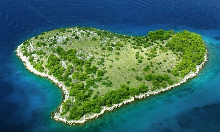 PHOTOS: Six cute heart-shaped islands in Croatia