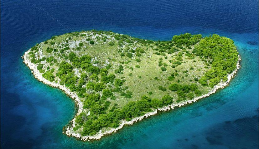 PHOTOS: Six cute heart-shaped islands in Croatia