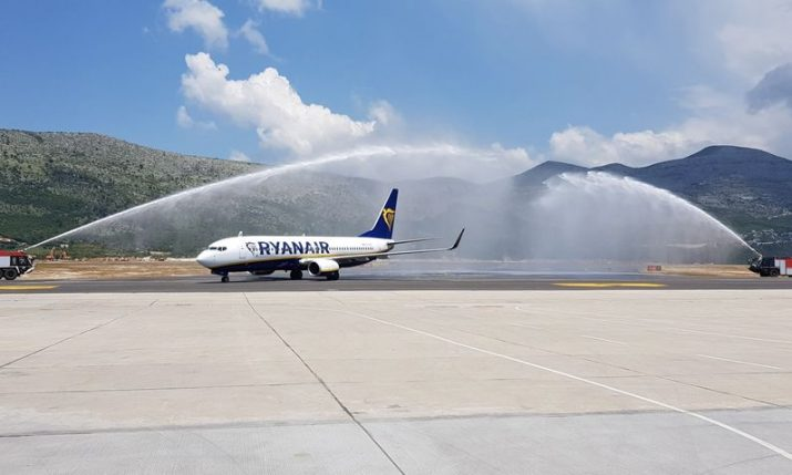 First ever Ryanair flight lands in Dubrovnik