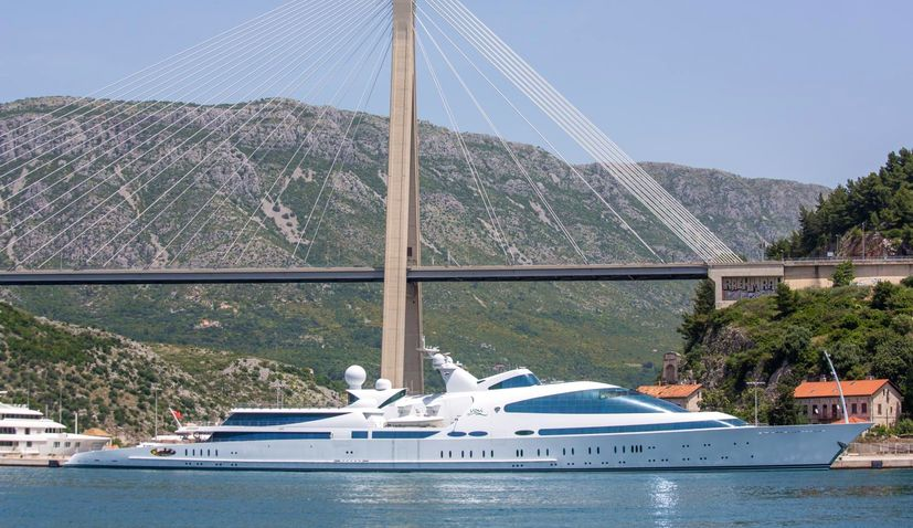 PHOTO: One of the world's largest superyachts arrives in Dubrovnik