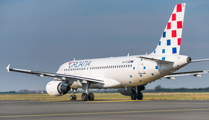 Croatia Airlines brings home 160 Croats stranded in UK on special repatriation flight