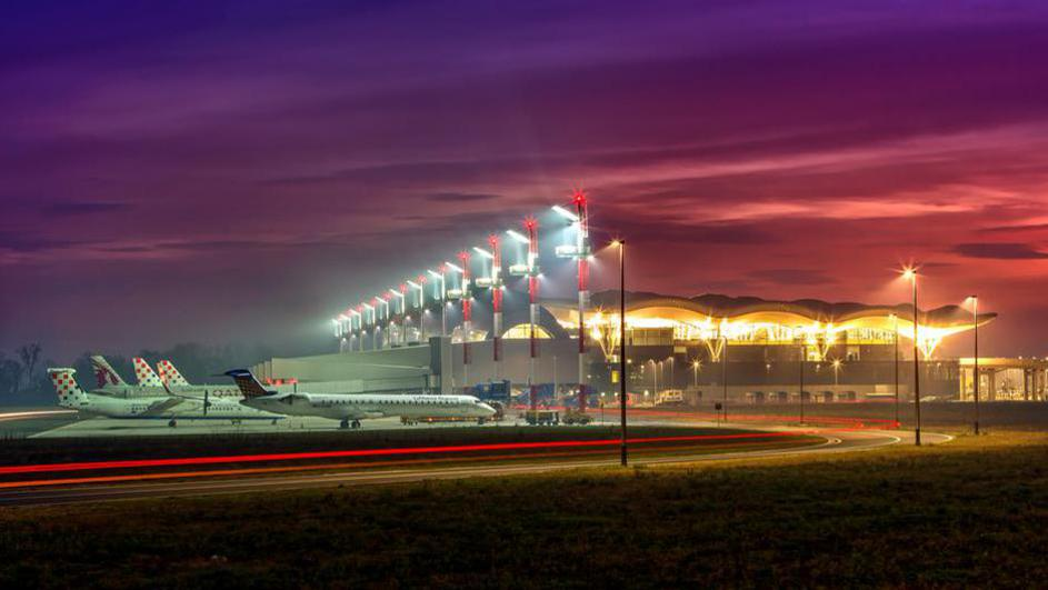 Zagreb Airport Night Runway Race Opening Up Extra Places Croatia Week