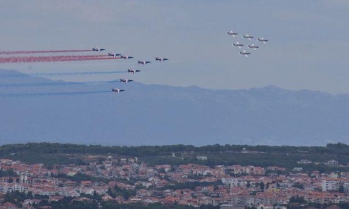 VIDEO: Croatian & French Air Force aerobatic teams perform over Zadar