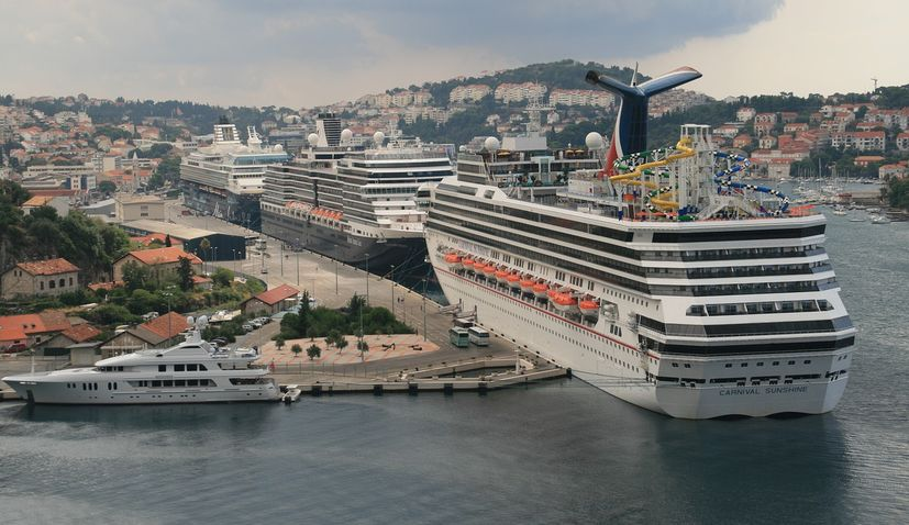 Dubrovnik introducing foreign cruise ships tax from 1 Jan, 2021
