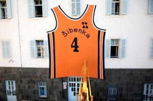 Huge Dražen Petrović jersey goes up in Šibenik to mark his birthday