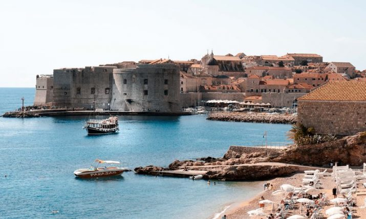 44 direct weekly flights connecting London and Dubrovnik