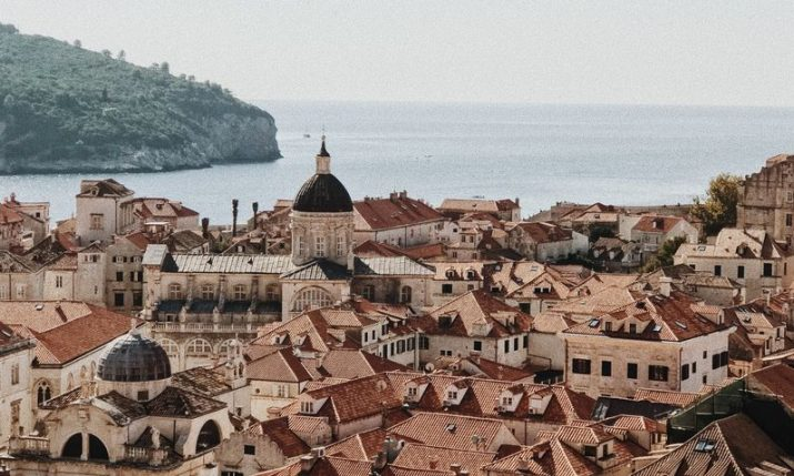 Free Dubrovnik tours in English & Linđo performance on Saturdays during winter