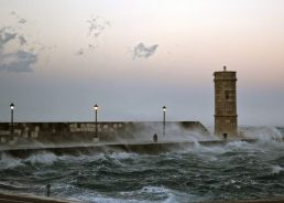 VIDEO: Jugo storm creates record high wave on Dalmatian coast
